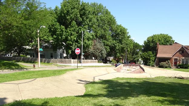 49/63 Neighborhood Fountain